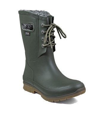 Rugged, plush-lined waterproof welly boots.