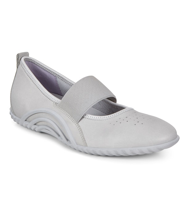 ECCO Biom Vibration 1.0 - Sporty ballerina-style shoes.