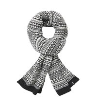 Attractive, knit-effect fleece scarf.