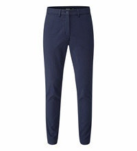 Smart travel trouser with a hint of stretch.